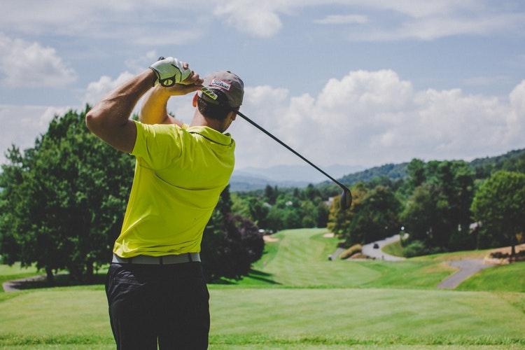 cuantos-campos-de-golf-hay-en-marbella