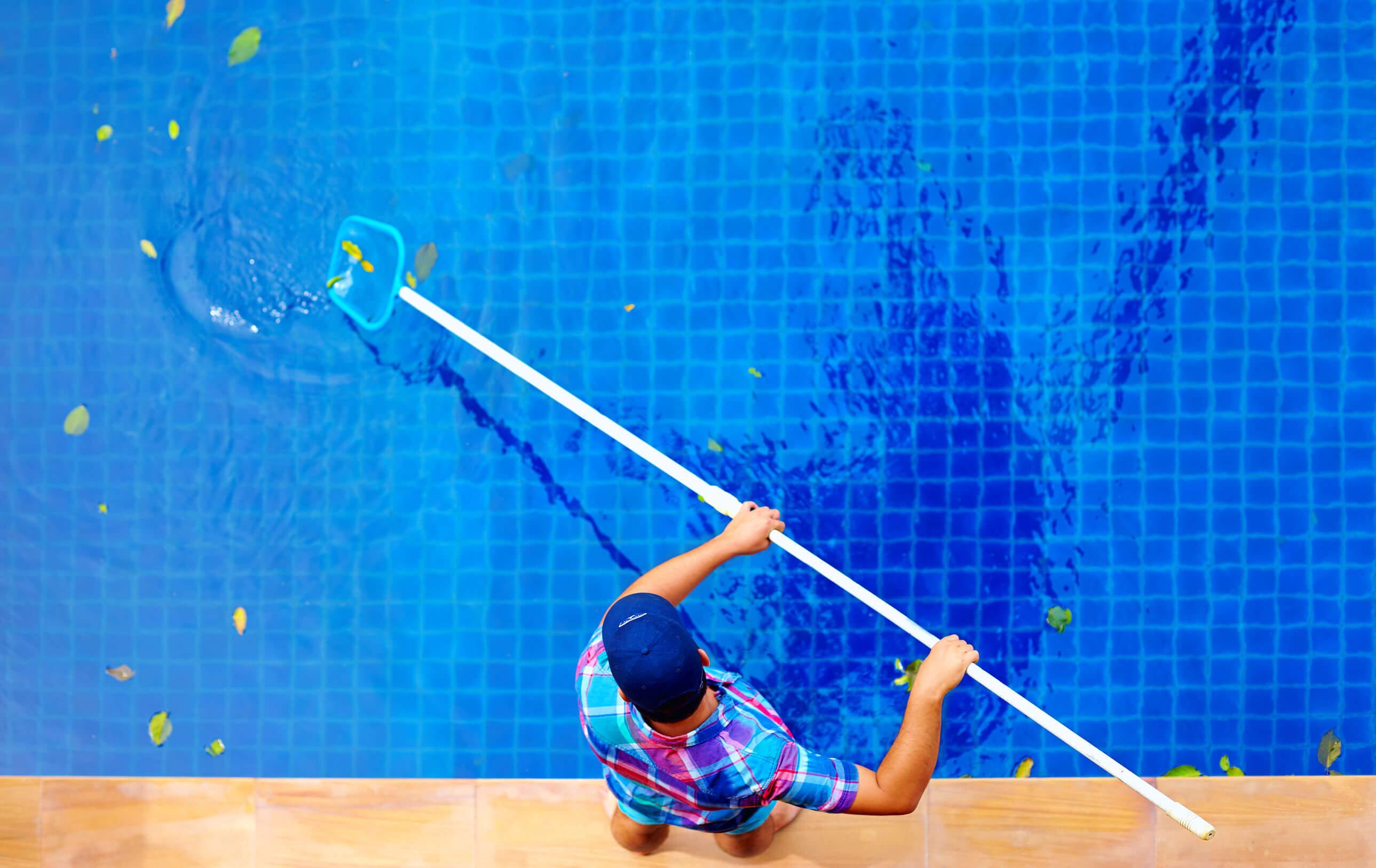 como-limpiar-una-piscina-despues-del-invierno