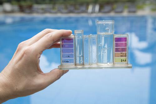 particulas-blancas-en-las-piscinas