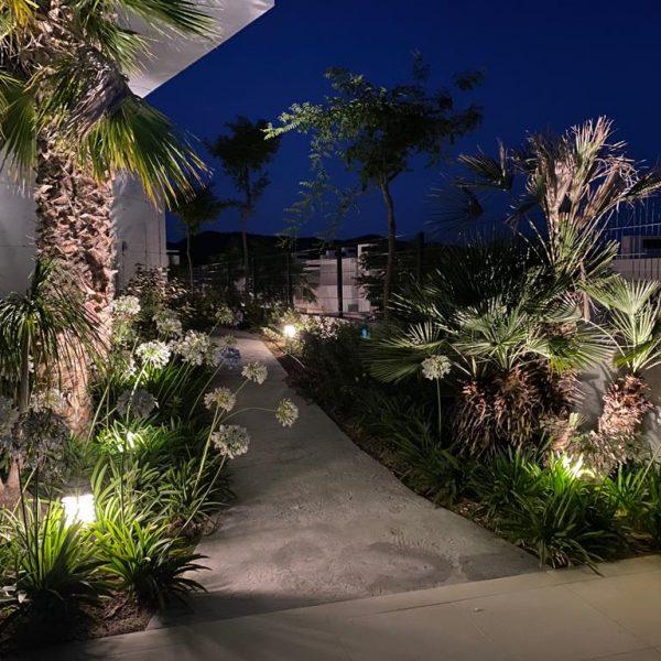 iluminacion de jardines en malaga