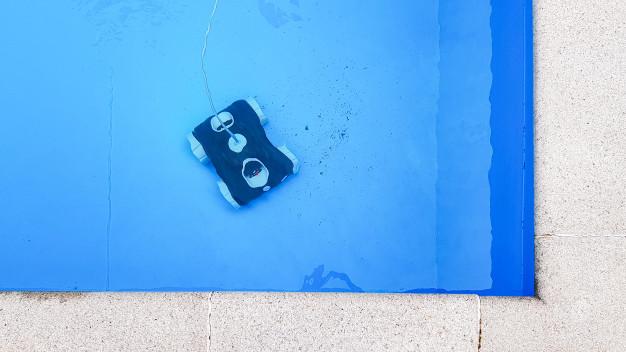 como-limpiar-fondo-piscina