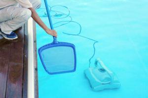 limpiar-fondo-piscina